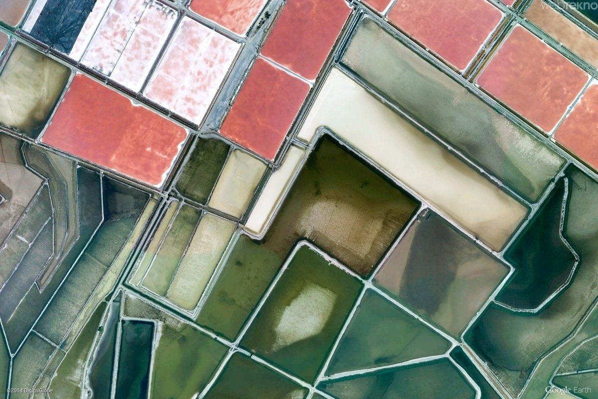 google-earth-un-paylastigi-mukemmel-yeryuzu-goruntuleri-Aigus-Mortes, Fransa-kadir-blog